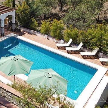 Het zwembad en lounge